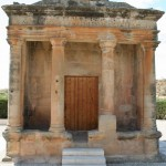 Monumento tipo templo en Fabara