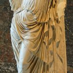 Afrodita de los Jardines. 430 a.C. Copia romana de un original de Alcámenes. Museo del Louvre