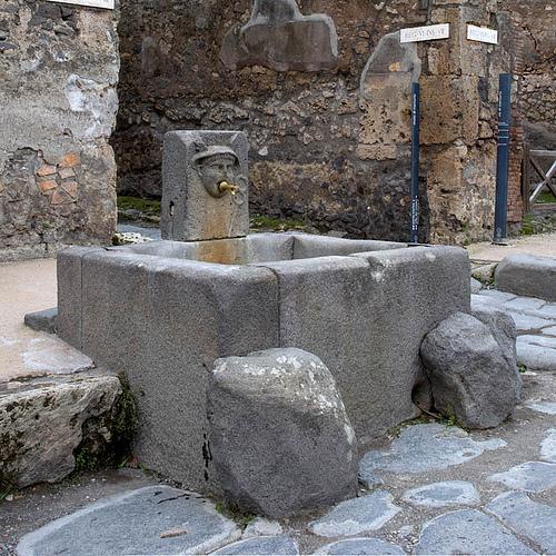 Aqua el abastecimiento de agua en las ciudades romanas hist rico digital Fuentes de piedra antiguas