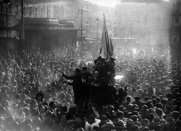 Proclamación de la Segunda República en la Puerta del Sol