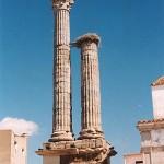 Dístilo funerario de Zalamea